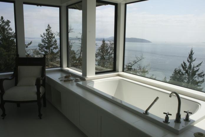 bathtub West Coast Luxury Home on Pender Island built by Dave Dandeneau of Gulf Islands Artisan Homes