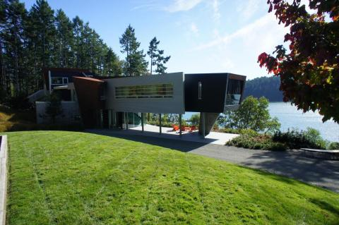 ultra modern West Coast fusion on Pender Island built by Dave Dandeneau of Gulf Islands Artisan Homes